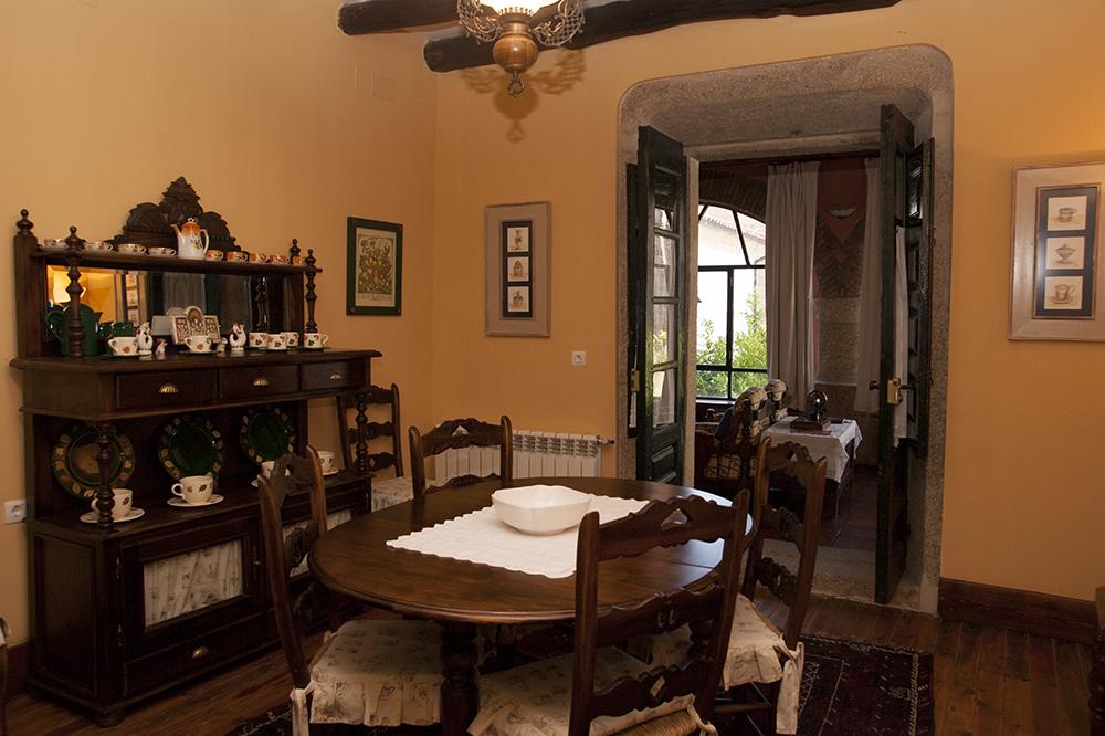 Casa rural antolina en san mart n de trevejo for Separador cocina comedor